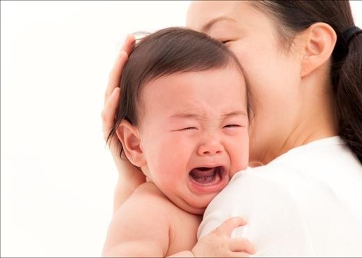 Vì sao cứ khóc là bé lại gọi mẹ? Lý do thực sự đằng sau sẽ khiến bạn rơi nước mắt đấy