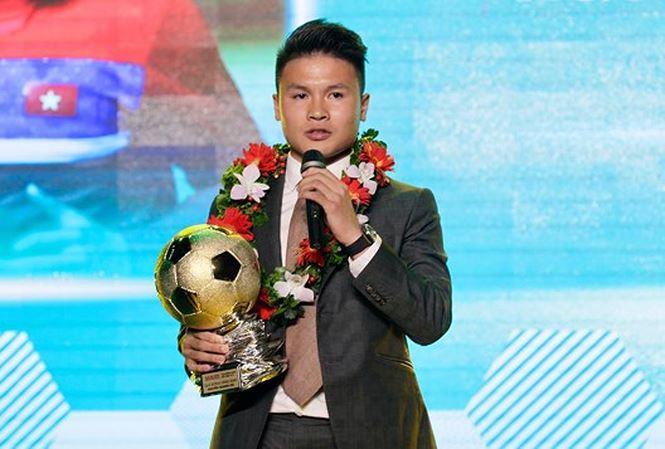 Không ngoài dự đoán, Quang Hải trở thành chủ nhân Quả bóng vàng Việt Nam năm 2018