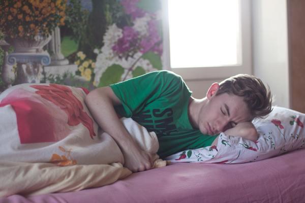 7 lợi ích này lý giải tại sao bạn nên nằm nghiêng sang bên trái khi đi ngủ
