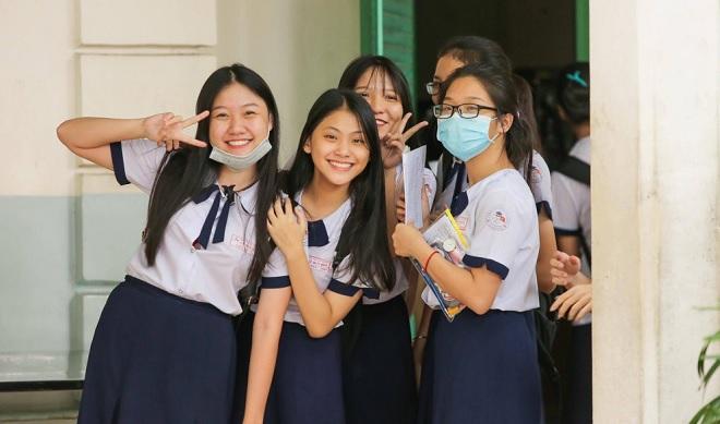 Bộ GD&ĐT công bố chương trình giáo dục phổ thông mới, cắt giảm 315 giờ học