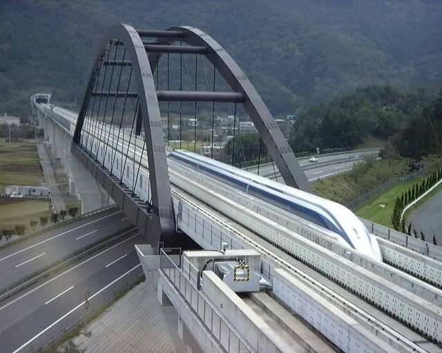 """""""Lót dép"""" hóng Tàu sắt cao tốc Bắc - Nam siêu nhanh đi từ Hà Nội vào Sài Gòn chỉ còn 5 giờ 17 phút"""