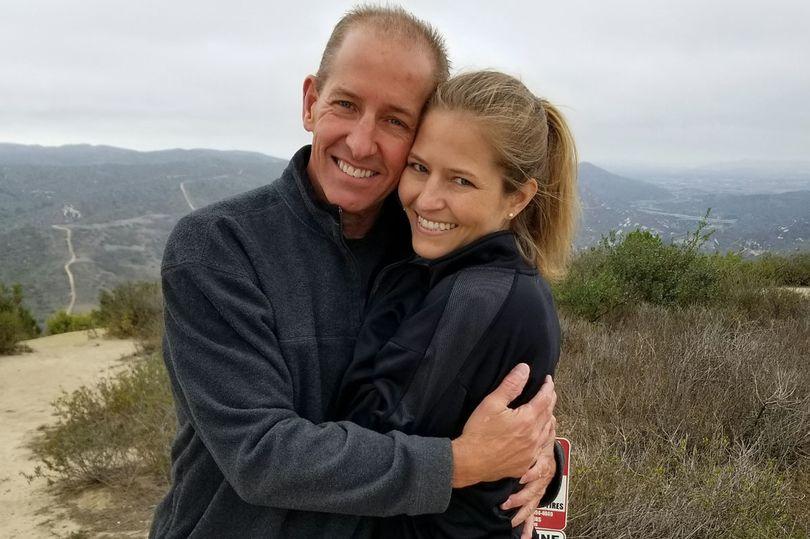 Hành trình kỳ diệu của cô gái lên Facebook tìm cha mẹ ruột thất lạc nhiều năm