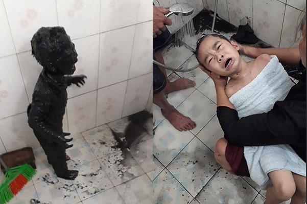 Đi vệ sinh bị ngã xuống ruộng gieo mạ, cậu bé mếu máo khóc khi toàn thân nhuộm đen, dân mạng được trận cười đau ruột