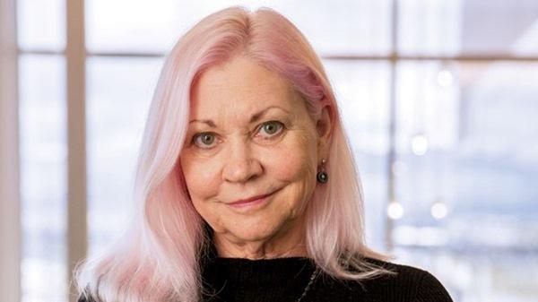 Dùng tiền tiết kiệm và lương hưu để khởi nghiệp thành công ở tuổi 40, nữ doanh nhân này chứng minh: Làm giàu không bao giờ là muộn