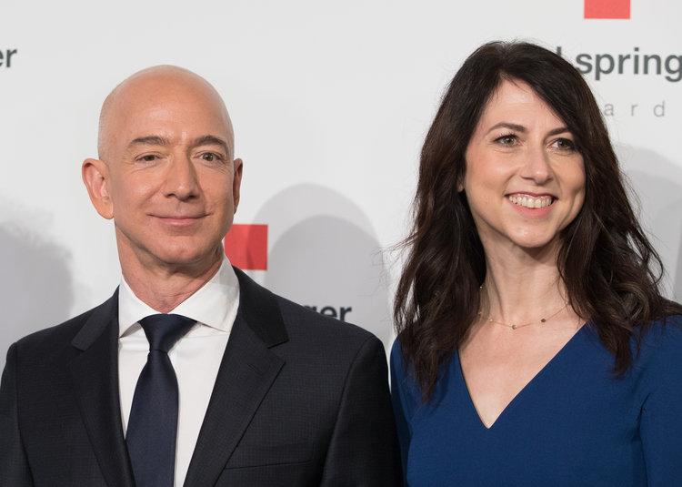 Tương lai của Amazon đang bị đe doạ khi ông chủ Jeff Bezos có nguy cơ phải chia đôi gia tài 137 tỷ USD trong vụ ly hôn