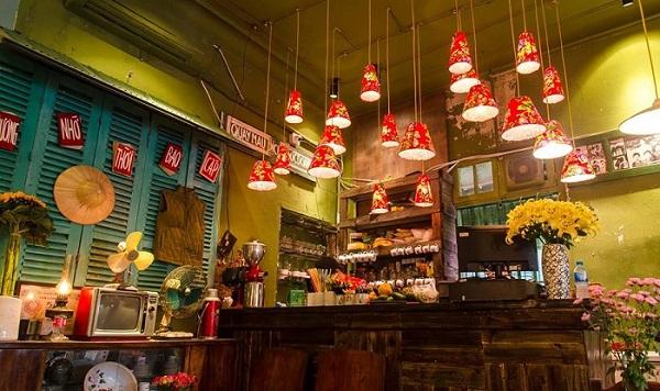 """Vào xem quán cafe """"concept giống Cộng"""", có gì mà CĐM ném đá đến thế?"""