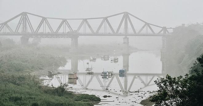 Những hình ảnh ấn tượng trong một ngày cuối năm âm lịch, thủ đô đắm chìm trong sương như thể Sa Pa