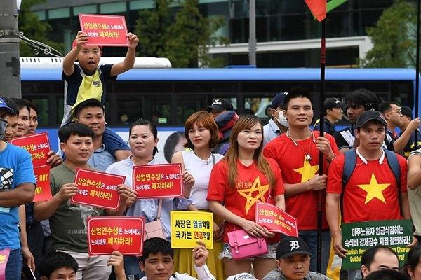 """30 du học sinh Việt Nam tại Hàn Quốc """"biến mất"""" trong vòng 1 năm, chuyện gì đã xảy ra?"""