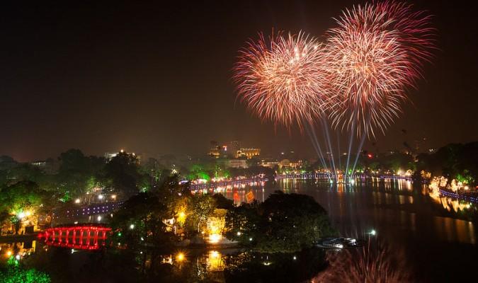[HOT] Hà Nội sẽ tổ chức bắn pháo hoa đêm Giao thừa lớn Tết Kỷ Hợi nhất từ trước đến nay