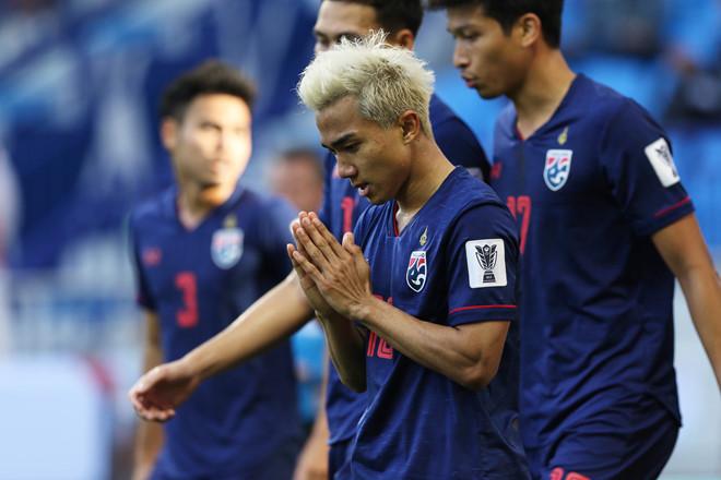 Trầy trật vượt qua vòng bảng Asian Cup, sau gần 50 năm Thái Lan mới làm được điều ĐT Việt Nam đã làm 11 năm trước