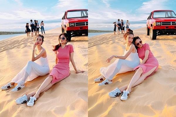 """Fans """"bấn loạn"""" khi thấy Hương Giang - Yoshi diện giày đôi """"hẹn hò"""" tình tứ với nhau trên bãi cát"""