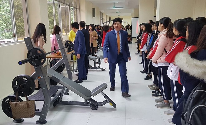 """Năm hết Tết đến, trường """"người ta"""" liền trang bị phòng tập gym cho sinh viên khiến dân tình """"đến là GATO"""""""