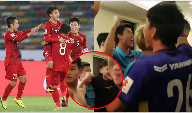 CLIP: Cầu thủ Việt Nam ăn mừng khi vượt qua vòng bảng, nhìn Lâm Tây âu yếm Duy Mạnh mà hưng phấn!