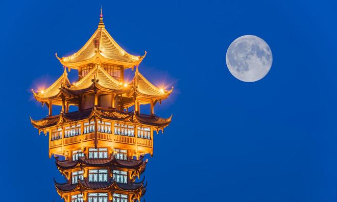 """Trung Quốc tính phóng """"Mặt trăng nhân tạo"""" lên không gian để chiếu sáng thay đèn đường"""