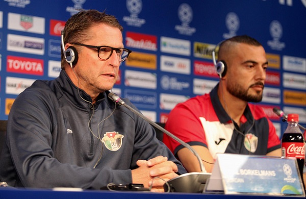 HLV trưởng ĐT Jordan thận trọng quá đà khi ví ĐT Việt Nam mạnh hơn đội từng dự World Cup