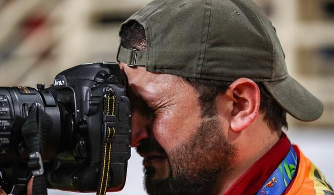Làm phóng viên thể thao đôi khi thật đau khổ, đó là khi đội nhà thua trận trong nước mắt như thế này