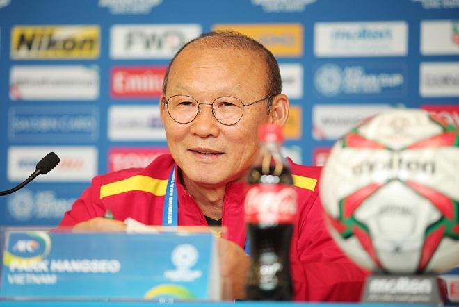 Thầy Park hướng đến tương lai sau trận thua, bật mí điều bóng đá Việt Nam cần làm để vượt qua Nhật Bản