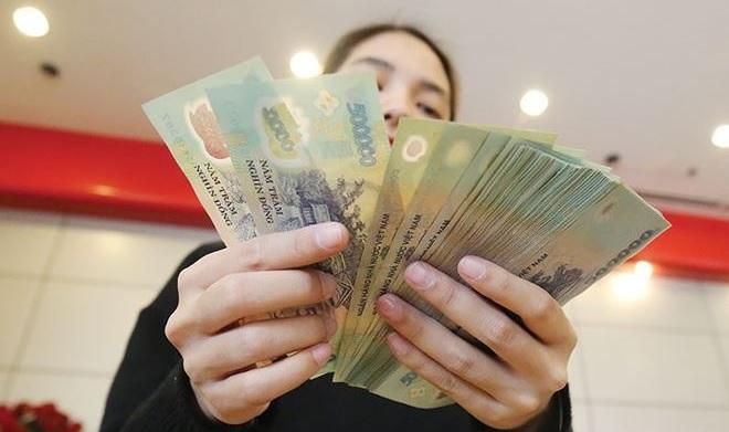 """Thưởng Tết """"khủng"""": Nhân viên ngân hàng được thưởng đến 9 tháng lương nhưng không hẳn là thưởng"""