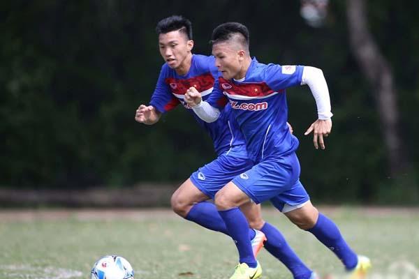 Nhiều cơ hội cho Quang Hải và Văn Hậu thi đấu ở nước ngoài, thậm chí thử việc tại La Liga