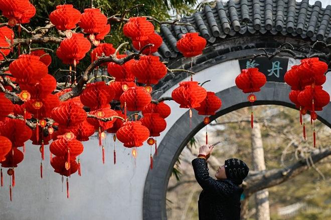 """Phụ nữ """"ế"""" tại Trung Quốc trốn chạy những ngày Tết áp lực """"bao giờ lấy chồng"""""""