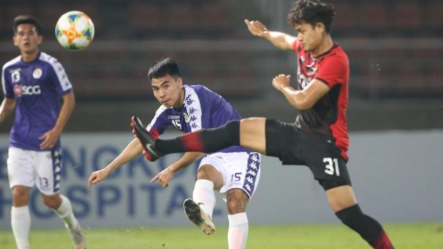 """Đội bóng của Quang Hải, Đức Huy... đụng độ đội """"Thái Lan thu nhỏ"""", đội trưởng Văn Quyết ghi bàn thắng duy nhất"""