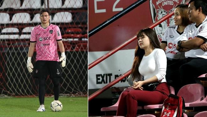 Bạn gái sang Thái cổ vũ tận sân, Văn Lâm mắc lỗi kỳ lạ để thua bàn ngay trận đầu tiên bắt chính cho Muangthong United