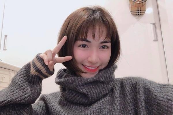 Hòa Minzy cắt tóc ngắn cũn như thuở mới vào nghề, nhìn trẻ trung như mới 16 tuổi