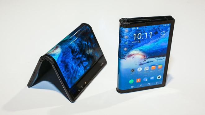 """6 lý do khiến """"hiện tượng"""" smartphone màn hình gập chưa trở thành xu hướng"""