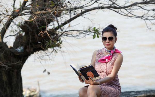 Chờ cuối tháng để xét xử tiếp vụ ly hôn với chồng, bà Lê Hoàng Diệp Thảo gửi lời chúc 8/3 tới chị em