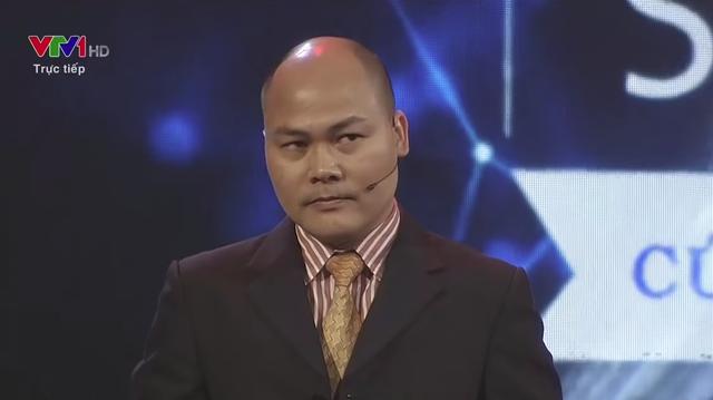 """CEO BKAV Nguyễn Tử Quảng lộ thần thái """"khó đỡ"""" khi nghe nhận xét """"xoáy"""" trên truyền hình"""