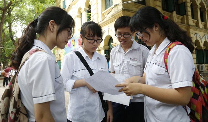 Tuyển sinh lớp 10: Hà Nội công bố môn thi thứ 4, TP HCM không cộng điểm nghề