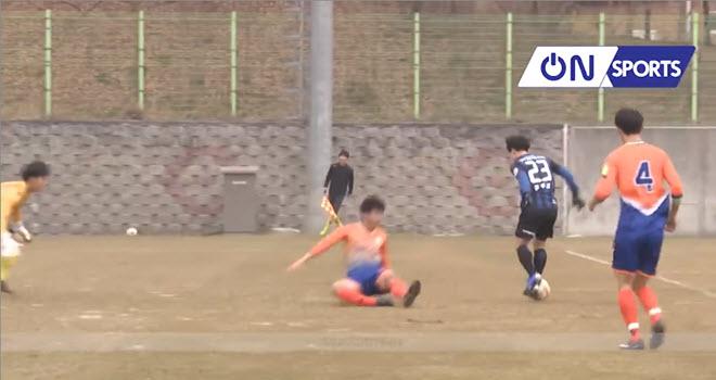 Công Phượng tiếp tục lập cú đúp trong trận giao hữu của Incheon United nhưng dính chấn thương