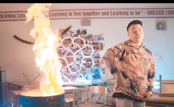 Vụ rapper bị tố đốt sách của học sinh: Con trai tổ trưởng tổ bảo vệ đưa ê-kíp quay MV vào phòng học