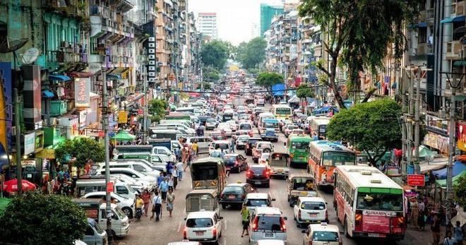 Các nước láng giềng thực hiện hạn chế và cấm xe gắn máy như thế nào?