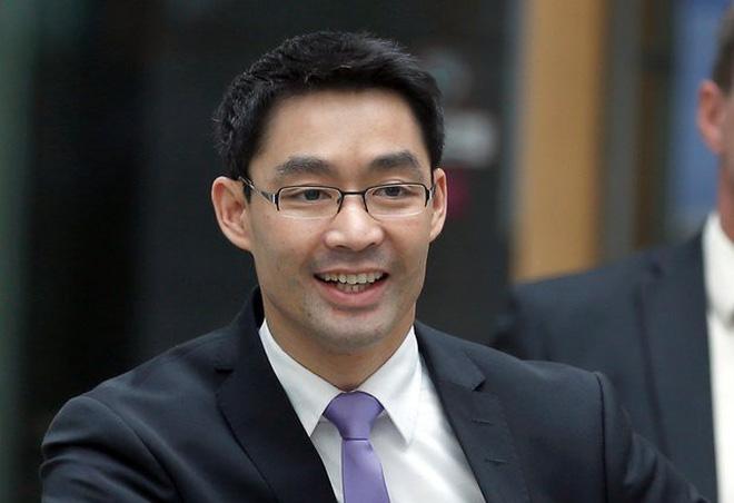 Nguyên Phó thủ tướng Đức gốc Việt trở về Việt Nam làm việc cho một quỹ đầu tư khởi nghiệp