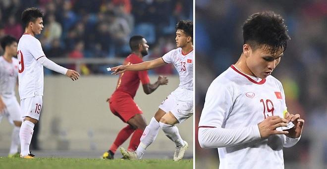 """Lộ chiến thuật của U23 Việt Nam từ """"mật thư"""" thầy Park gửi đội trưởng Quang Hải trong trận đấu với U23 Indonesia"""