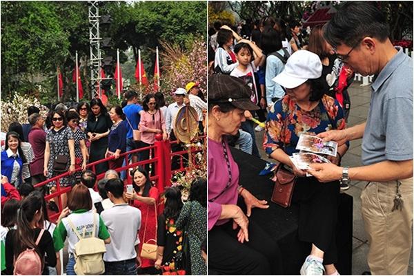 """Dòng người Hà Thành """"ùn ùn"""" đi xem Lễ hội hoa anh đào Nhật Bản – Hà Nội"""