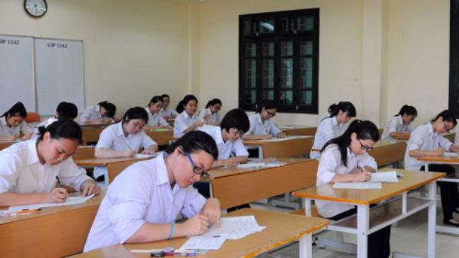 Lộ đề thi học kỳ tại Bình Thuận, 28 trường THPT phải hoãn thi môn Ngữ văn