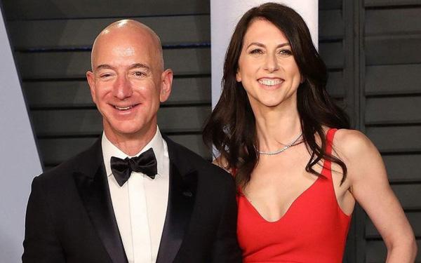 Tỷ phú Jeff Bezos ly dị vợ: Chia cho vợ 36 tỷ USD, giữ vững quyền kiểm soát Amazon