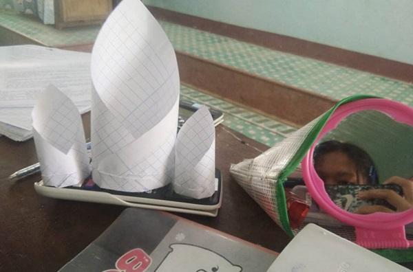 Làm máy bay giấy hình tròn - Trò chơi mới của học trò khắp cả nước bạn đã thử chưa?