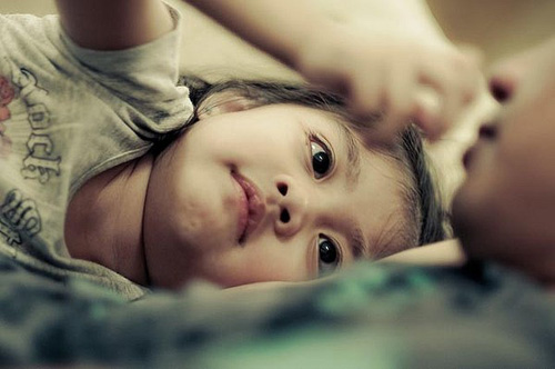 Lời cha dạy con gái: muốn biết yêu hay không yêu, đừng nghe bằng tai mà hãy nhìn bằng mắt