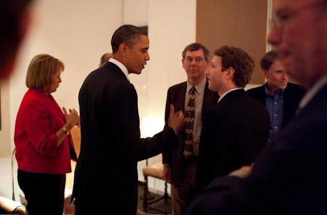 Ảnh 5: Mark Zuckerberg bị mù màu
