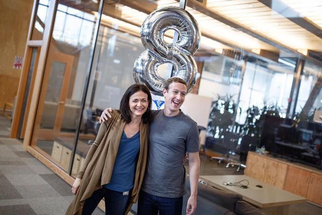 """Câu chuyện """"ngược dòng"""" của người phụ nữ thông minh, tài giỏi đứng sau thành công của Facebook"""