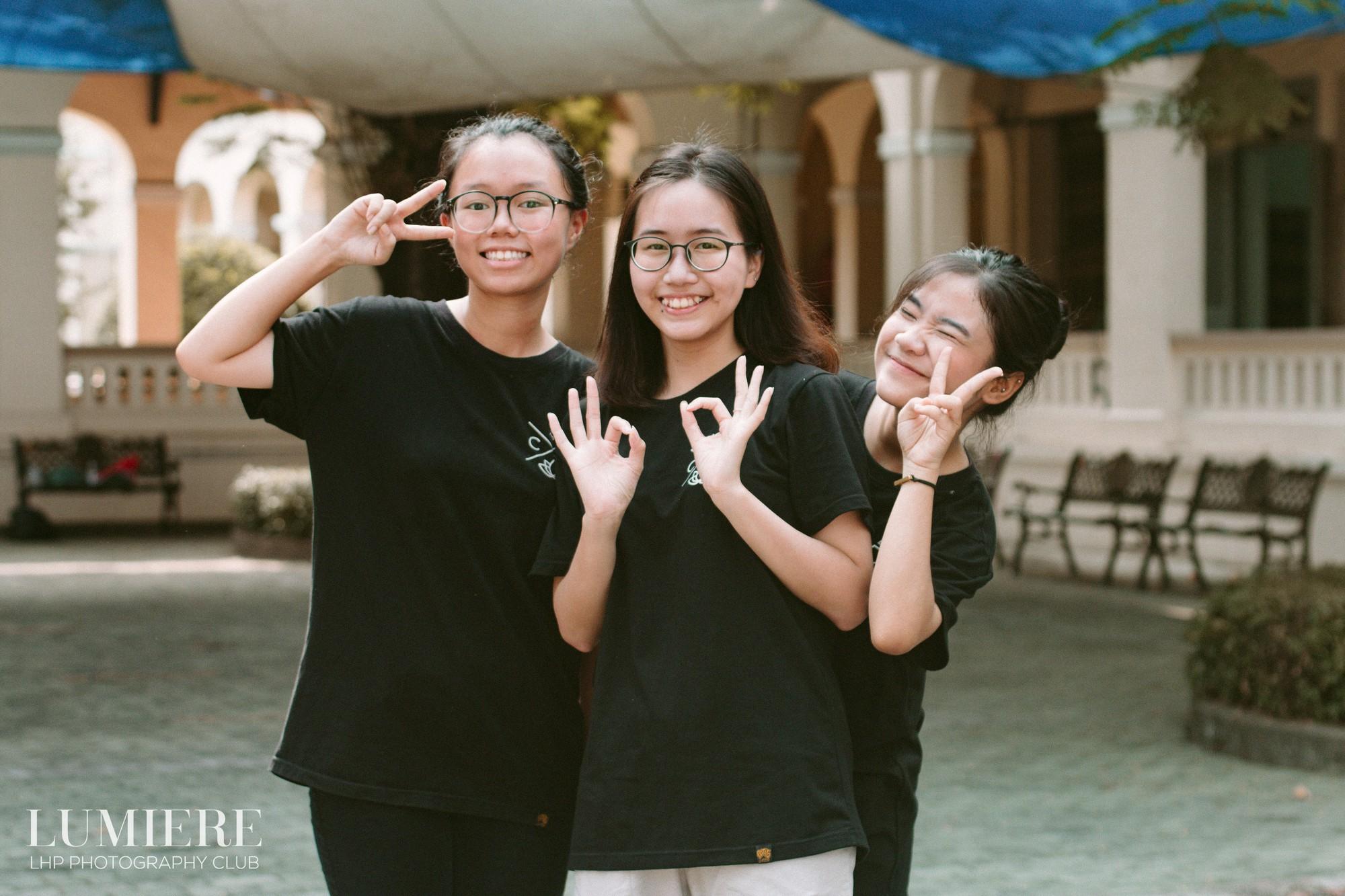 Hội trại không những là những giây phút trưởng thành cuối cùng mà còn là dịp quan trọng để ở bên hội bạn thân, tận hưởng những giây phút đếm ngược trước khi kỳ thi THPT Quốc gia tới. (Nguồn: Helino.vn, Lumiere - LHP Photography Club)