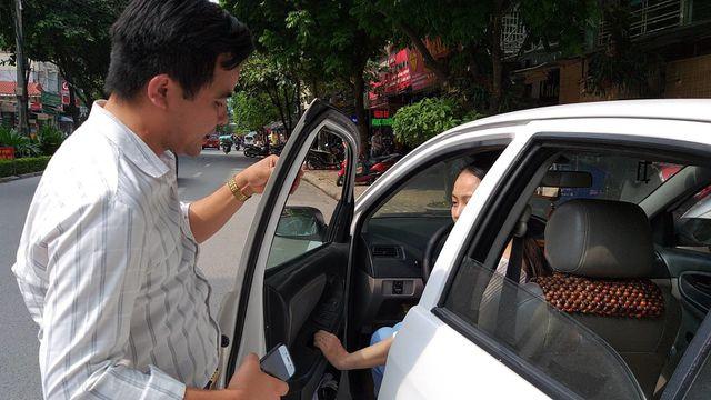 Ảnh 2: Thầy dạy lái xe - We25.vn