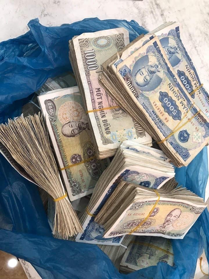 Ảnh 1: Gửi tiết kiệm một bao tiền lẻ - We25.vn