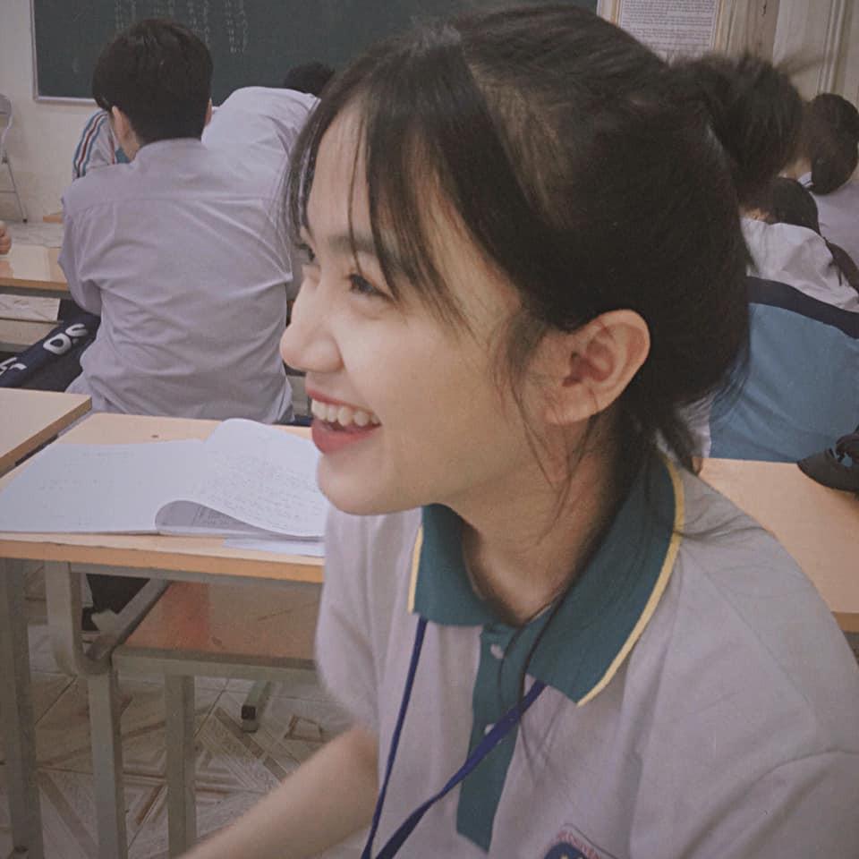 Ảnh 3: Nữ sinh trường chuyên Thái Nguyên - We25.vn