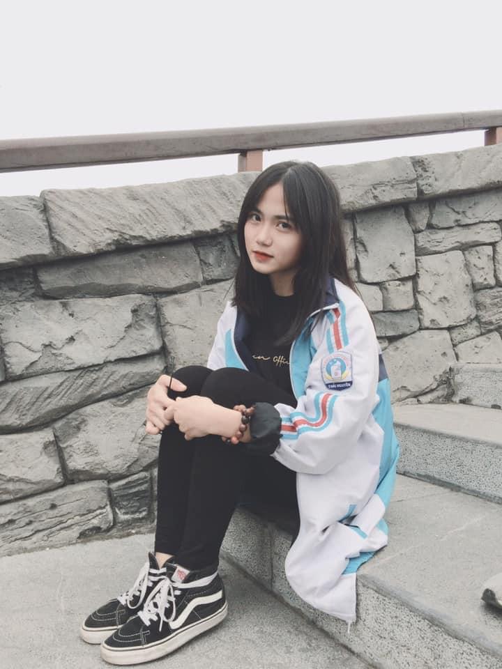 Ảnh 4: Nữ sinh trường chuyên Thái Nguyên - We25.vn