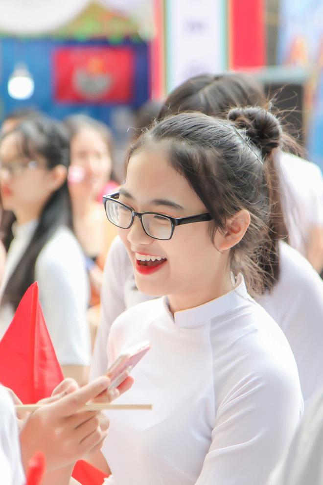 Ảnh 8: Nữ sinh trường chuyên Thái Nguyên - We25.vn