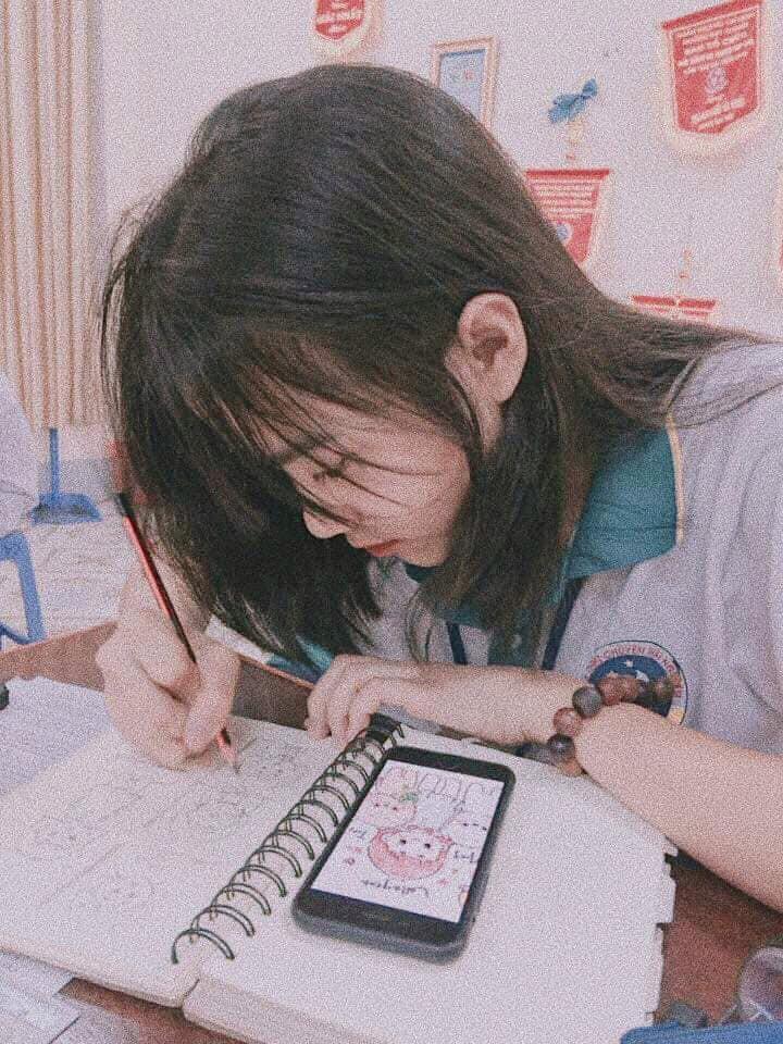 Ảnh 1: Nữ sinh trường chuyên Thái Nguyên - We25.vn